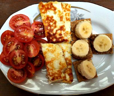 Halloumi Crackers